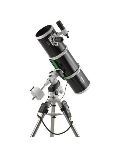 Télescope Sky-Watcher 200/1000 Dual Speed sur NEQ5 Pro Go-To BD