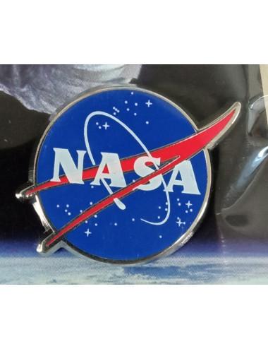 2 Pin's NASA